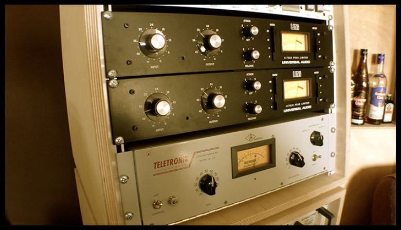 studio picture of UREI 1176 Rev.G